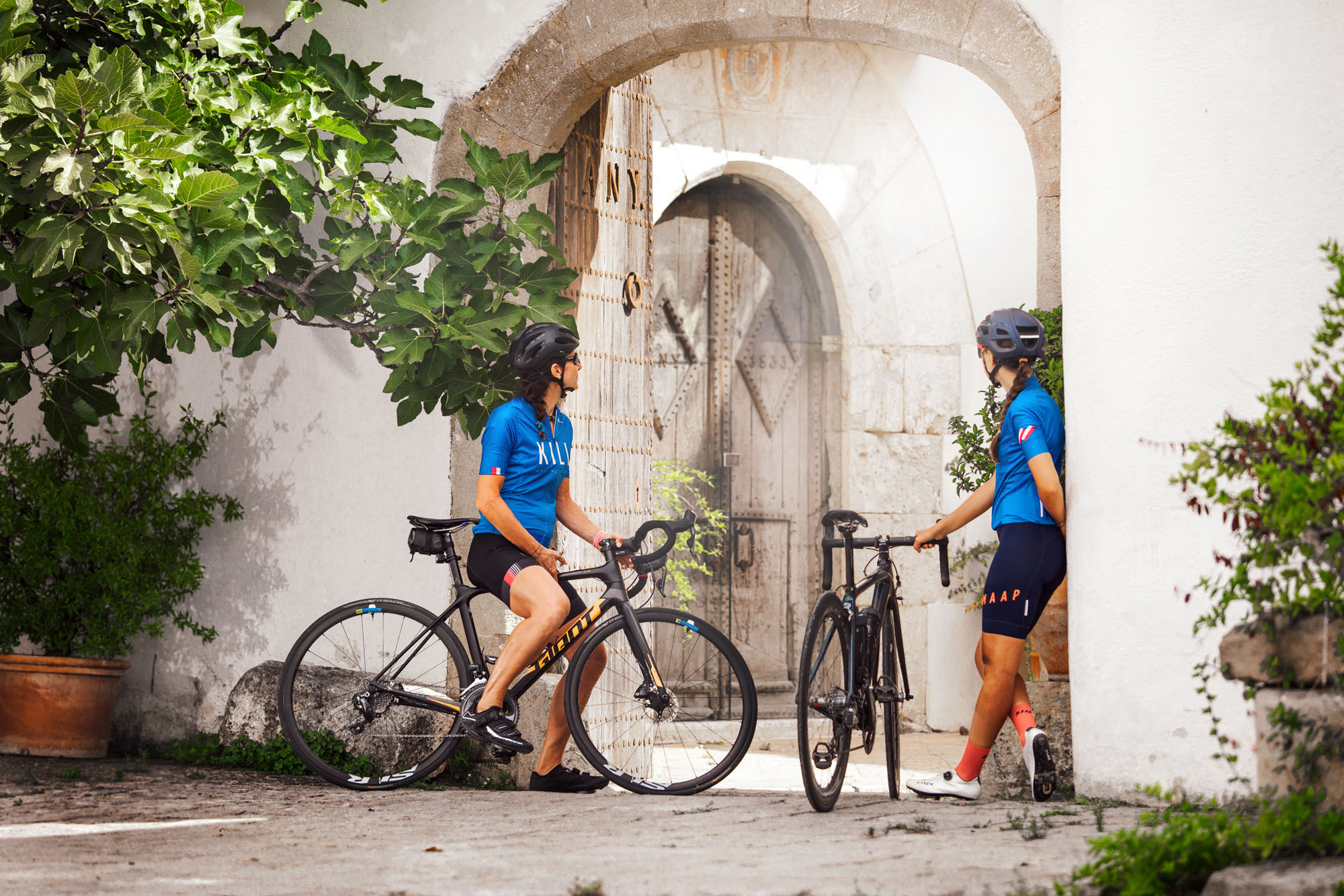 Wine tour for cycling lovers